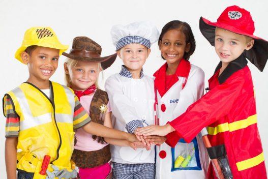 Børn i kostumer